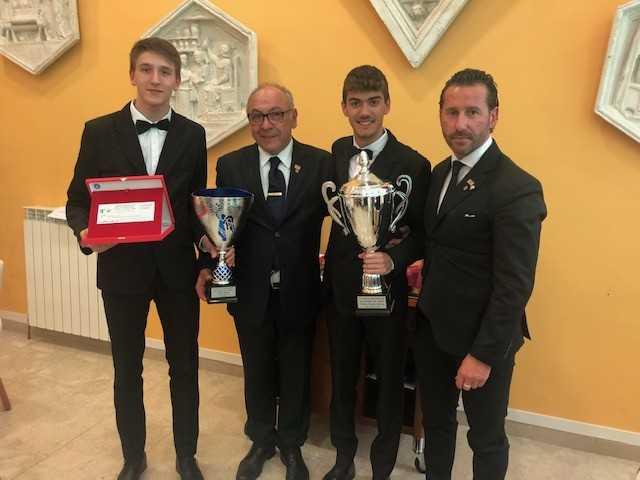 """Teramo, gli allievi dell'Istituto """"Di Poppa-Rozzi"""" vincono il gran Trofeo del Concorso interregionale """"Un cocktail per amico"""""""