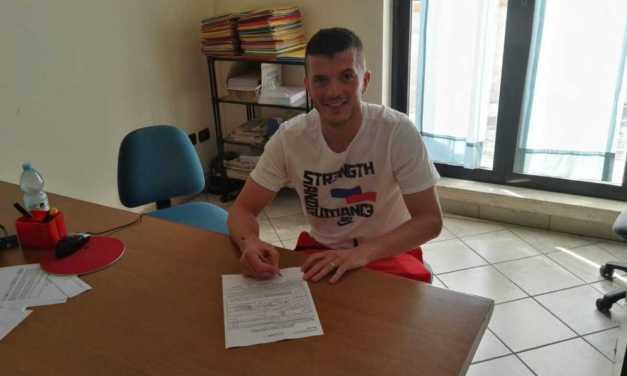 Calcio D, Davide Salvatori rinnova con il S.N. Notaresco e giocherà con i rossoblu' anche nella prossima stagione
