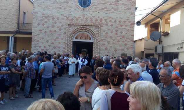 FOTO    Colleranesco si è stretta ai familiari per l'ultimo saluto a Camillo Pechini