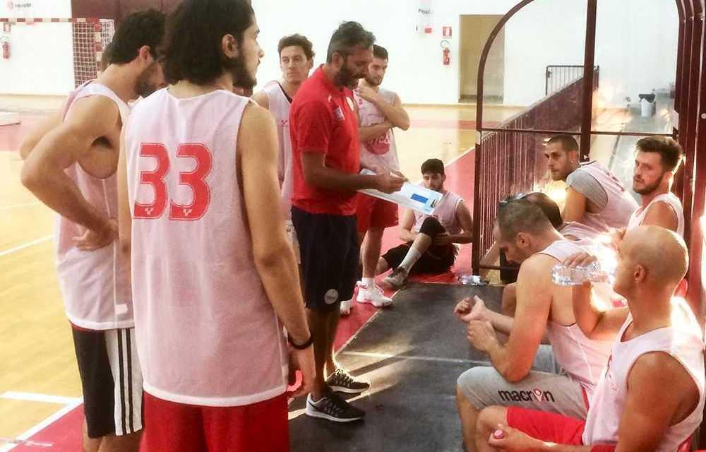 Basket, prima amichevole ok per la Tasp che supera il Pescara (72-71)