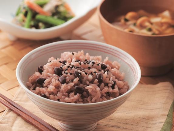 日本人のハレの日を彩ってきた特別な料理 「出雲縁結びクラブ開縁~絆深まる、お赤飯のある食卓~」