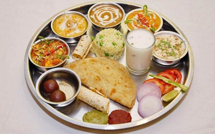 インド生活『村上アニーシャのアーユルヴェーダ』Vol.26 〜アーユルヴェーダから見るバランスの良い食事とは?〜