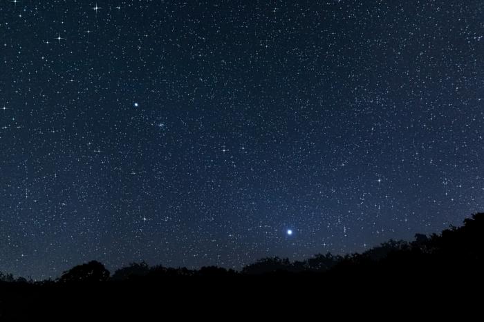 女神の星が宇宙に描き出す神秘的な図形とは?