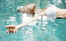 暑い夏は水の中で癒されてみませんか? <br>様々なアクアセラピーを紹介