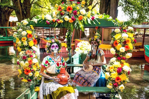 ¡Vive el Día De Muertos en el Lago De Camécuaro, Michoacán!