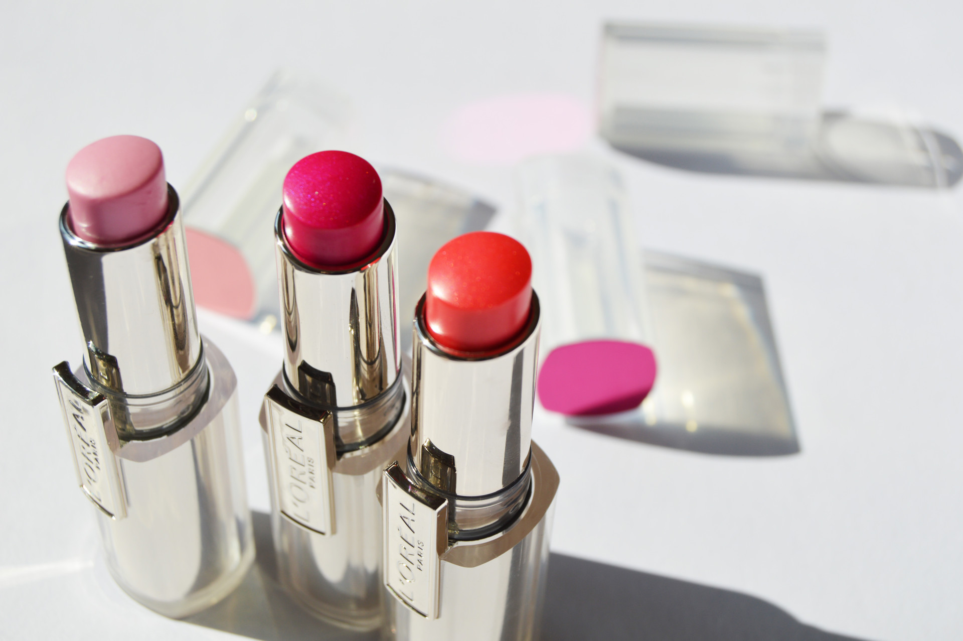 L'Oréal Rouge Caresse Lipstick Review and swatches