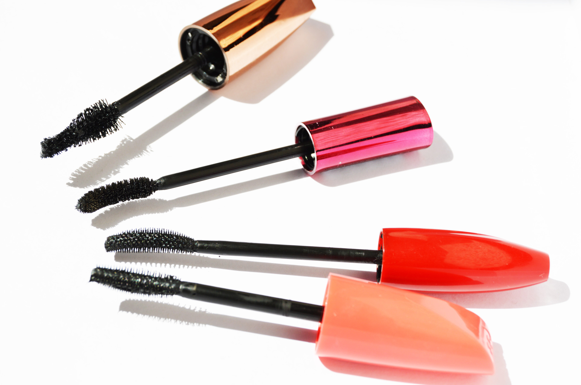 Best Drugstore Mascaras   There are so many drugstore mascaras in the market, however which one is the best one, which one actually does what's promised. Click through to find out the best drugstore mascaras