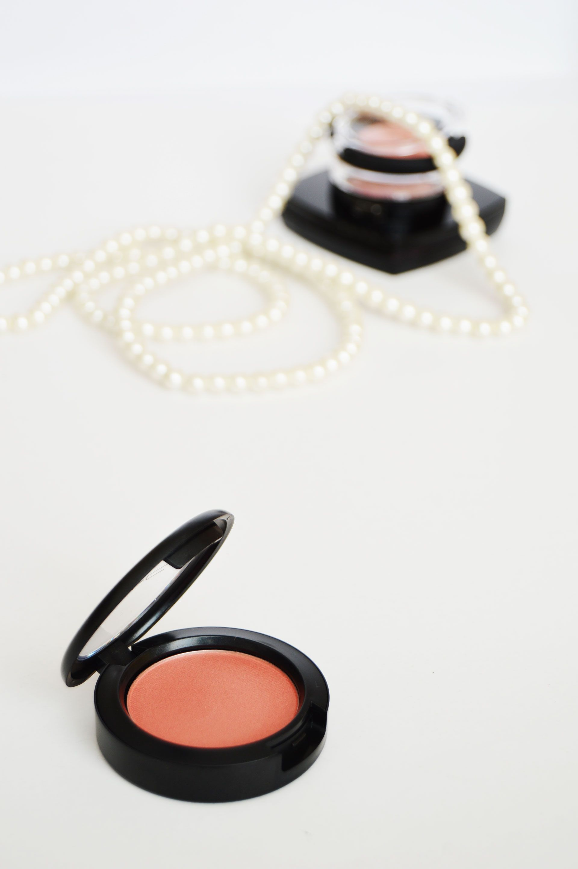 MAC Sheertone Shimmer Blush Peachykeen