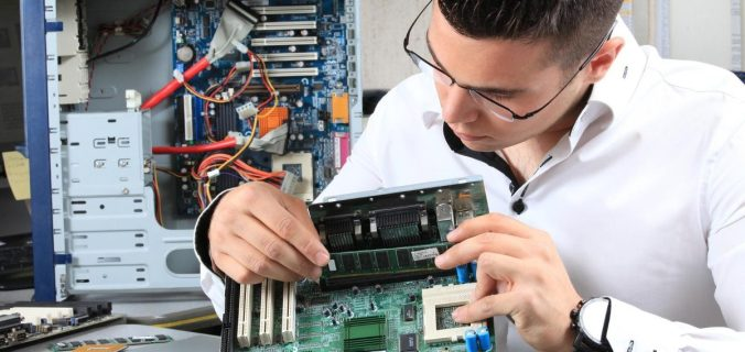 O que faz um técnico em informática? - Elaborata