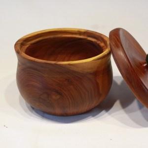 Dose mit Keramikknauf