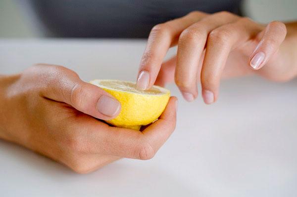 Tratamente homemade pentru unghii frumoase şi sănătoase