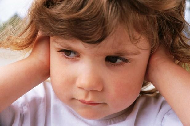 Cum îţi înveţi copilul să respecte bunele maniere? www.elacraciun.ro