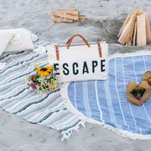 How To Host An Intimate Beach Picnic