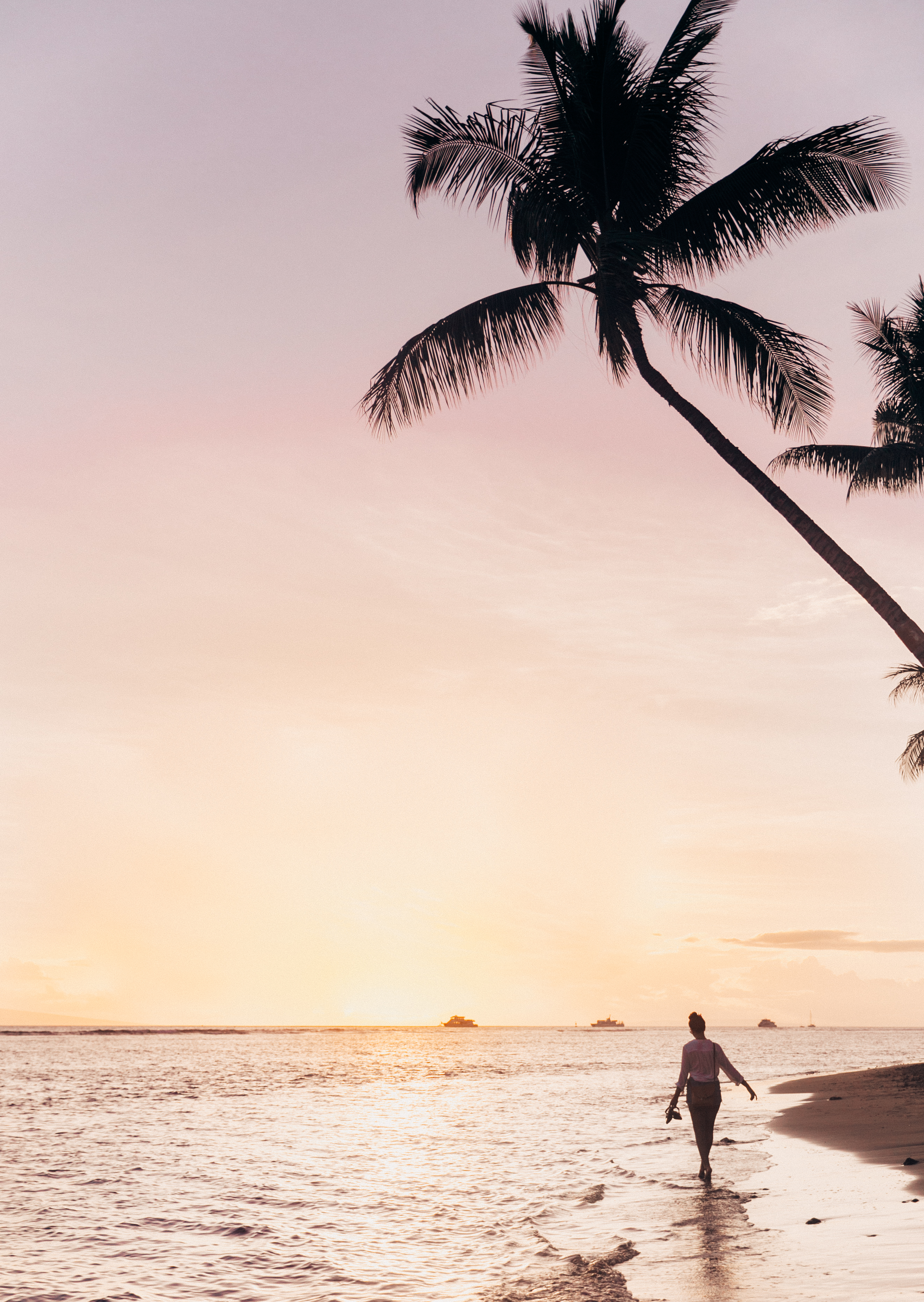 Sunset at Shark's Pit Beach | Sunset in Lahaina | Travel Inspo | Sunsets in Hawaii | Hawaiian Sunset | Hawaii Blogger | Things To Do In Lahaina | Things To Do in West Maui | Travel Inspiration | Hawaiian Island Hopping | Weekend In Maui | Guide to Spending The Weekend in Maui | Travel Blogger's Maui Recommendations via @elanaloo + elanaloo.com