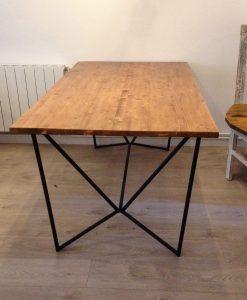mesa-estilo-nordico-industrial