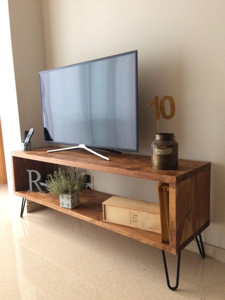 Mesa vintage industrial fabricada con madera de pino y base de metal - Muebles de cocina estilo retro ...