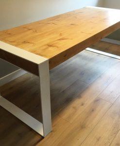 mesa-diseño-industrial-madera-maciza