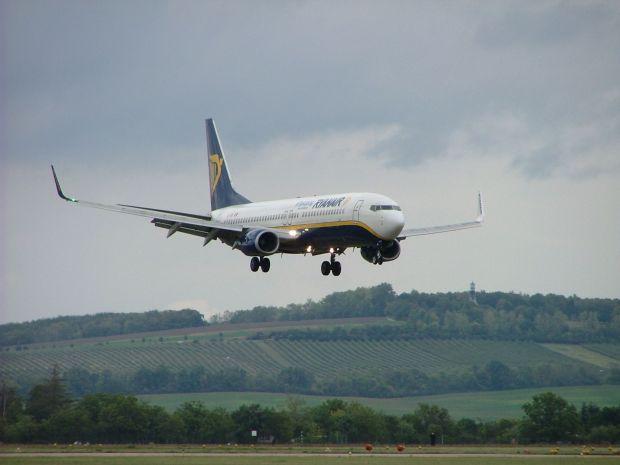 737-800 de Ryanair. KGyST