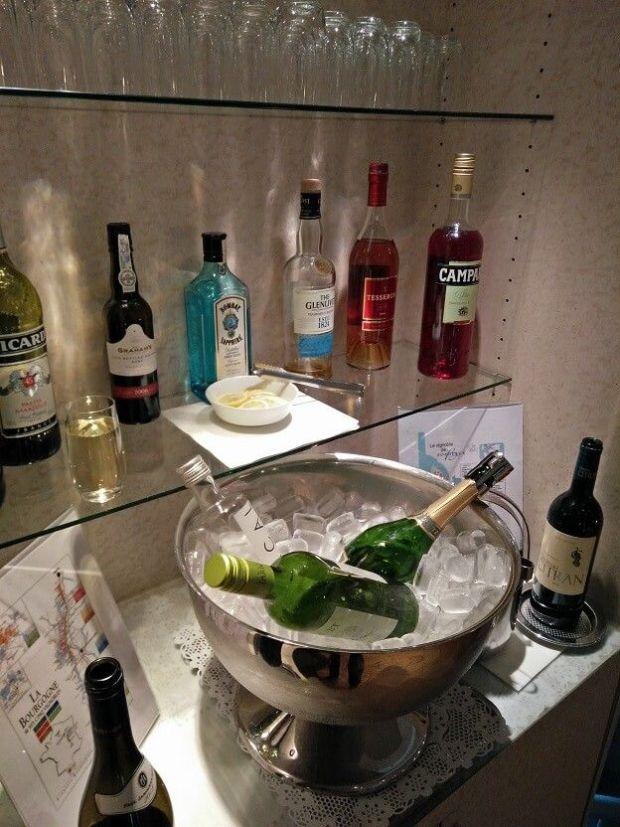 Y que no falte vino y champagne, como buenos franceses!
