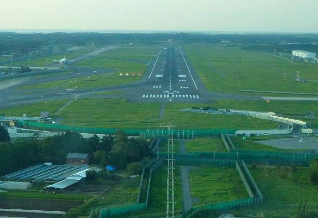 Barajas y Narita, la lucha de los afectados