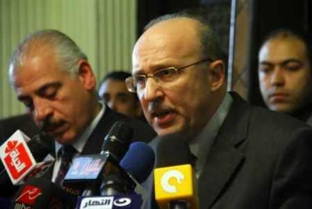 عادل-العدوى-وزير-الصحة-584x390