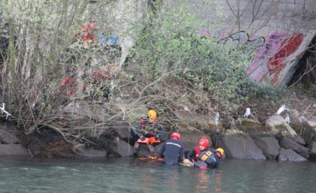 Aparece el cuerpo del niño desaparecido al caerse al río Sil en Ponferrada. (Foto: César Sánchez)