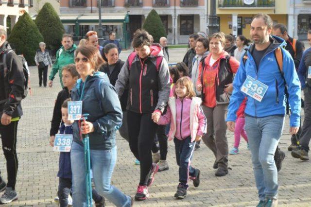 X Marcha Solidaria en Ponferrada. / A. CARDENAL