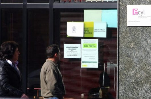 Oficina del Ecyl de Ponferrada. / CÉSAR SÁNCHEZ