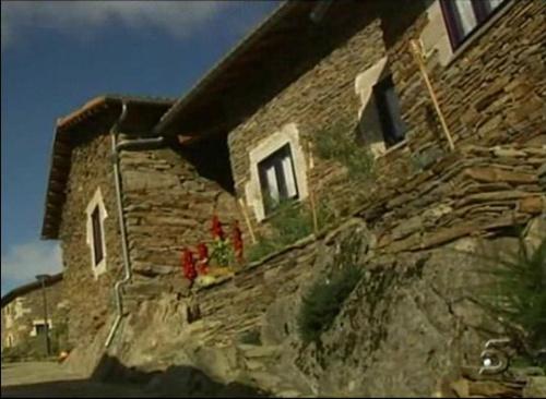 couso actual - Dar vida a un pueblo abandonado. El caso de Couso en Galicia