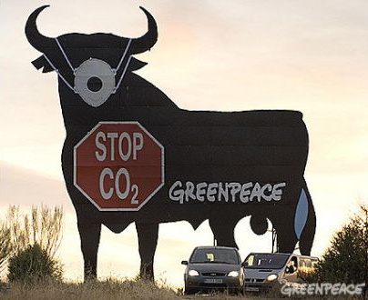 Toro con mascarilla - Greenpeace - Stop CO2