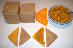 sandwich huntar - Sandwich integral de chutney de frutas y queso cheddar