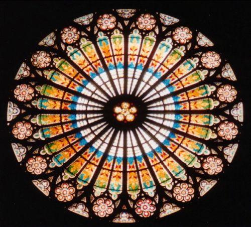 vidriera gotica - Se acaba la tregua. Empezamos a barrer