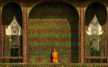 el templo del millon de botellas - El templo del millón de botellas. Recicladas, por supuesto
