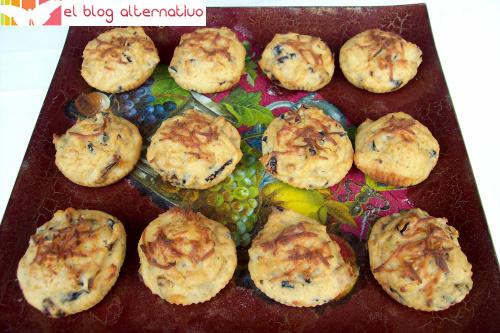 bocaditos-de-tomate-secos, queso y aceitunas negras