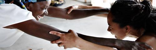 yoga3 - YOGA para superar el trauma de la violencia y los genocidios: la gran labor de Project Air