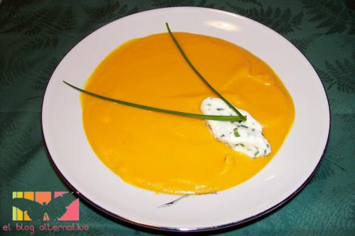 crema de zanahorias con chantilly de cebollino