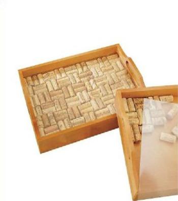 bandeja de tapones de corcho2 - Ideas para decorar con corchos