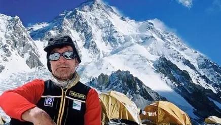 carlos soria - Camiseta solidaria de Kukuxumusu para Nepal y el montañismo a los 71 años de Carlos Soria