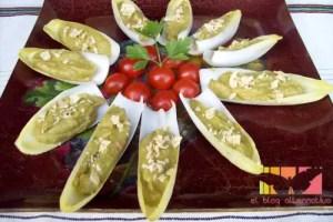 endibias rellenas1 - Endibias rellenas de guacamole