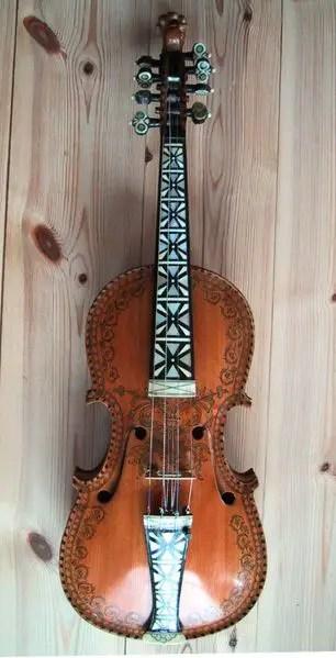hardanger fiddle -
