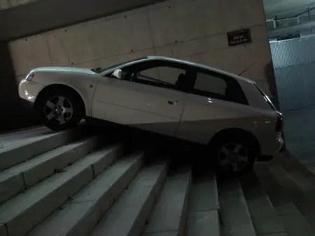 """coche - """"Las mujeres de Barcelona son peligrosas..."""" Otro mundo es posible"""