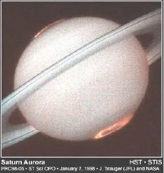 tierra hueca aurora de saturno