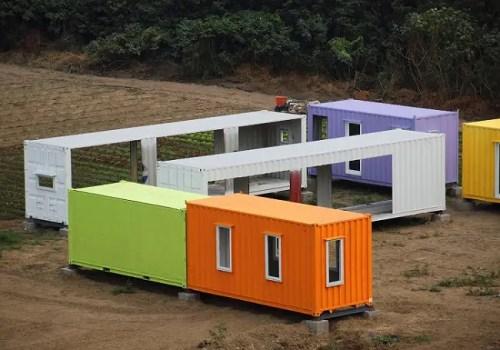 Contenedores modulares de obra para construir casas - Colorful Container Houses Are Assembled