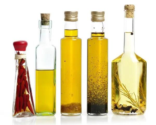 aceite con plantas aromáticas