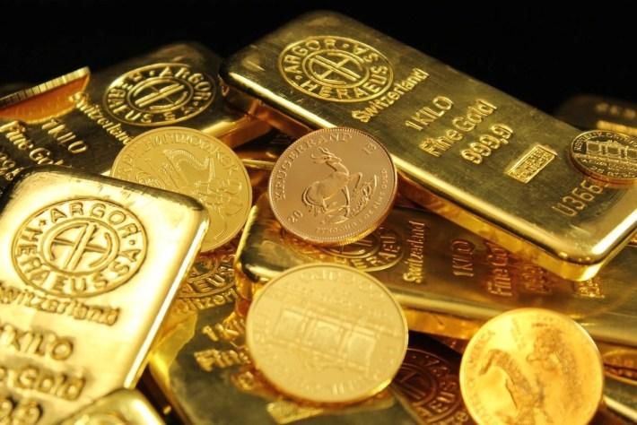 comprar oro 1024x683 - Mejores sitios para comprar oro en el 2021