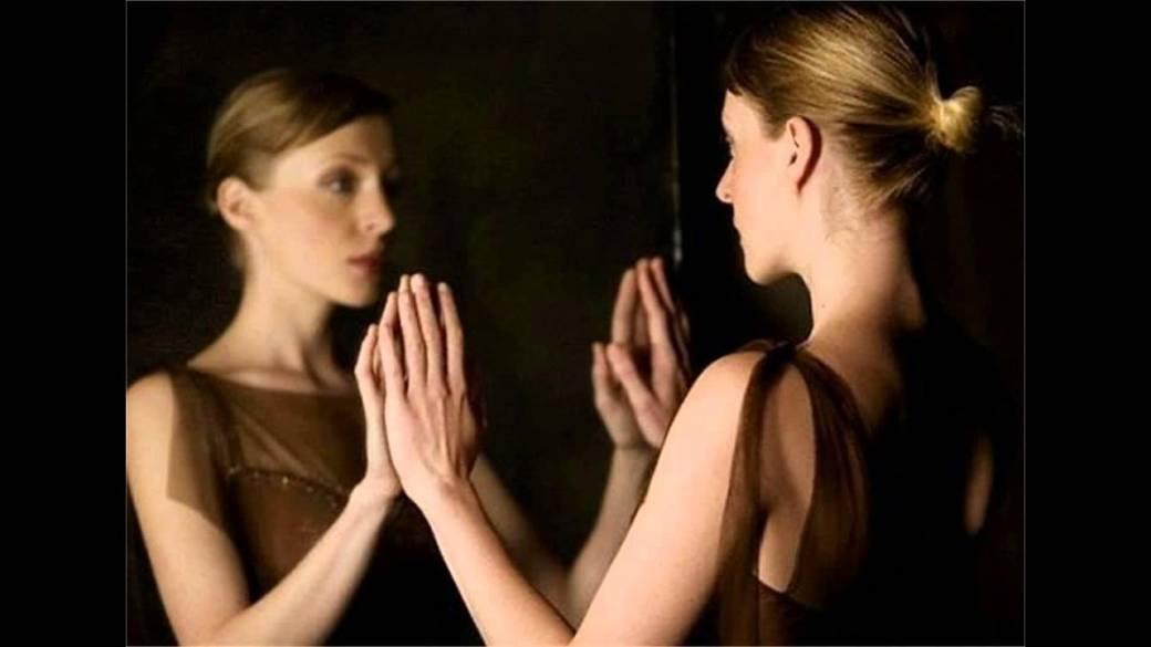 mirándome al espejo