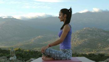 Meditación en las posturas de yoga