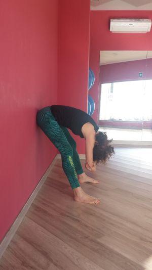 yoga en la oficina: muñeca de trapo