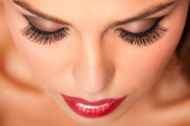 Unas pestañas cuidadas hacen que los ojos parezcan más intensos, más vitales.