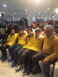 Nuestro equipo sub12 y nuestro Presidente, Alfredo Vidal